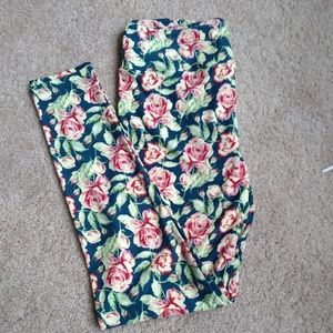 Lularoe TC pink roses leggings